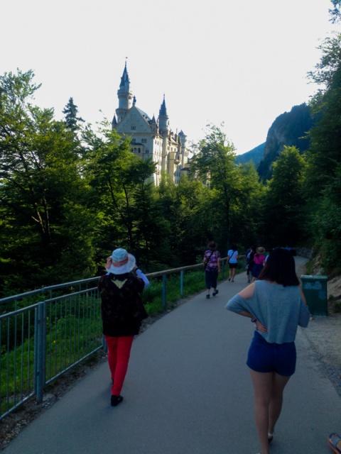 Perjalanan dari Castle menuju ke Marie Bruck